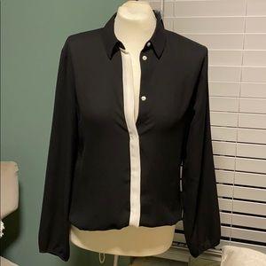 💎Beautiful Express blouse.